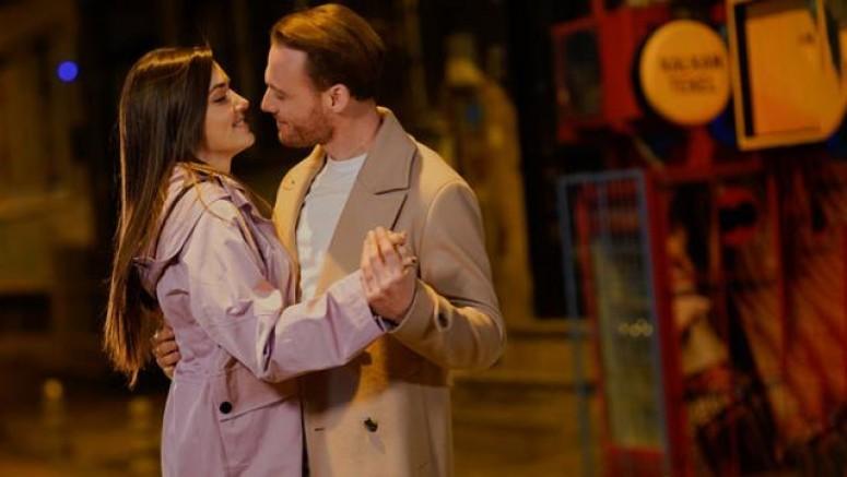 Hande Erçel ve Kerem Bürsin aşklarını ilan etti
